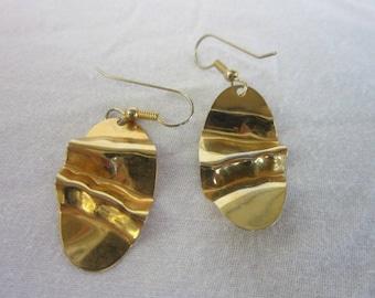 Vintage Retro Gold Tone Brass Dangle Pierced Earrings