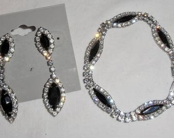 Elegant Costume Set Black Glass & Crystal Pierced Earrings With Bracelet
