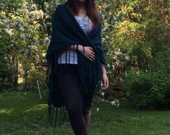 The classic shawl - dark green