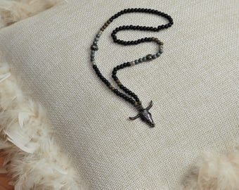 Gorgeous black necklace with elements in olive and silver