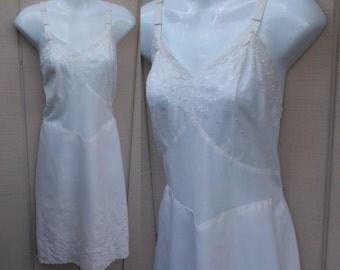 Vintage 50s Cotton Weave SLIP by Charmode - size 36 - 38