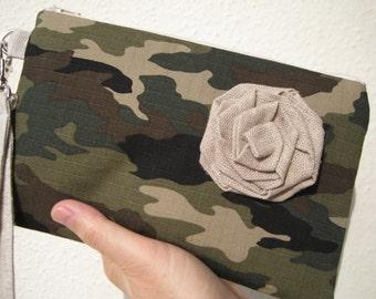 Gift pouch, wristlet 2 pockets, cotton, green, linen flower, makeup, travel, medium, - camouflage