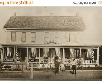 BIRTHDAY SALE ANTIQUE Photo Depression Era Store Coke & Adv. Signs 4Th July Flags Manuel Mom And Pop
