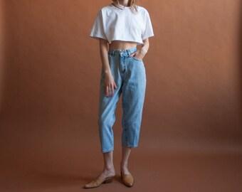 80s light wash cropped jeans / classic high waist 5 pocket denim / vtg high waist jeans / 8 P / 2345t / B15