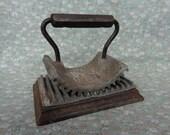 Antique Cast Iron Geneva Hand Fluter Clothing Paper Crimper Fluting  Patent 1866