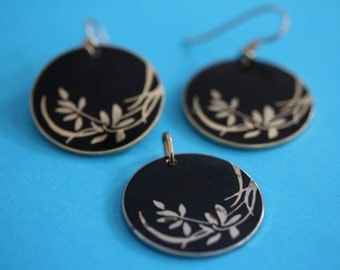 VINTAGE Laurel Burch dangle earrings with matching WIND FLOWERS pendant