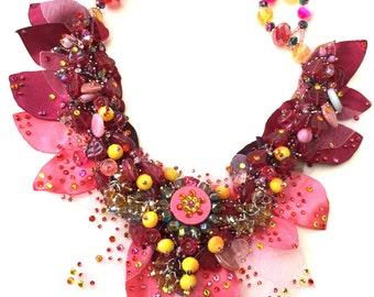 Fantasy couture collier necklace