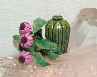 Miniature Arts and Crafts Vase with Coneflower in 1:12 Dollhouse Scale for your Dolls House