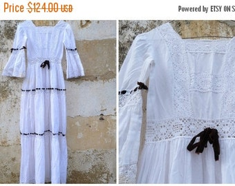 ON SALE 20% Vintage 1970/70s Mexican wedding dress white cotton and lace /brown velvet ribbons   size XS
