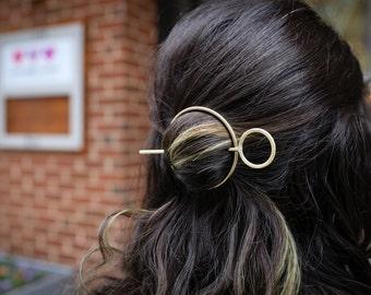 Hair Ware // Brass Loop Bun Pin and Circle Hair Bun Pin Holder Hair Slide Hammered Etched Handmade