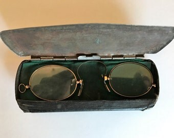 Antique Eyeglasses in Case PINCE-NEZ Frameless Nose Pincher 1900's Glasses