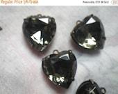 ON SALE 18% Off Black Diamond 15x14mm Glass Rhinestone Brass Ox Heart Drops 4 Pcs