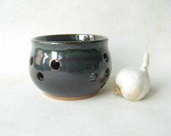 Pottery Garlic keeper