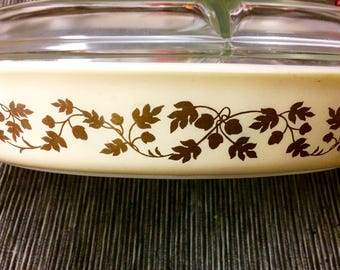 Vintage Pyrex Golden Acorn Pattern 1.5 Quart  Divided Casserole Dish Gold on Beige