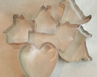 Collection of Five Tin Fox Run Cookie Cutters House, Dog, Heart