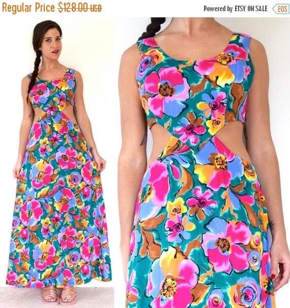 JANUARY SALE / 20% off Vintage 60s 70s Floral Cut Out Maxi Dress (size medium)