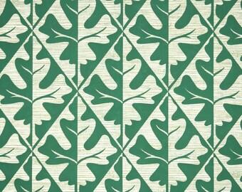 1950's Vintage Wallpaper - Green and Tan Oak Leaves in Geometric Pattern