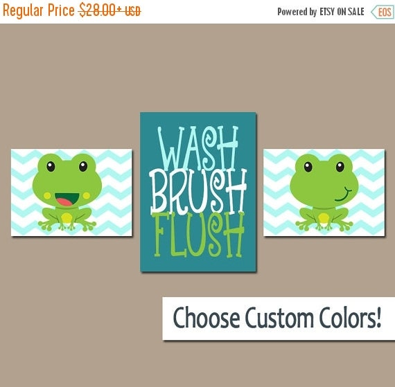 Frog bathroom frog wall art canvas or prints frogs by for Frog bathroom ideas