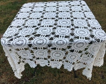 Vintage Hand Crochet Off White Tablecloth