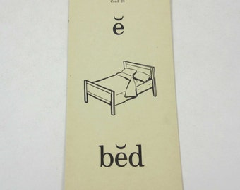Vintage 1950s Children's School Flash Card with Word and Picture for Bed by the Gelles-Widmer Co.