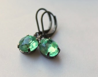 Peridot Green Rhinestone Earrings / Dainty Green Earrings / Wedding Jewelry / Bridal Party Earrings / Vintage Earrings / Estate Style