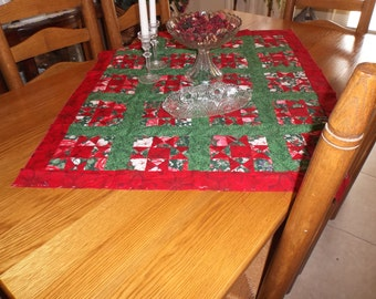 Christmas Table / Wall Quilt Top