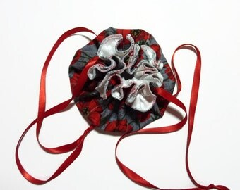 Travel Jewelry Pouch, Drawstring, Gray with Red Flowers, Poppies