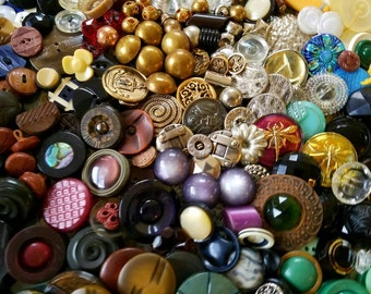 Vintage Buttons -  Great Value- Huge lot 650+ ,celluloid, glass,metal,mother of pearl, estate sale lot.,Victorian  (lrg1)