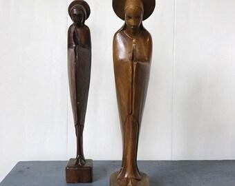 vintage wooden sculptures - wooden praying figure - Virgin Mary statue - brown woodgrain