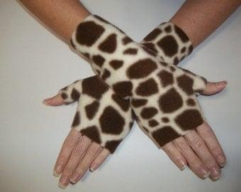 Fleece Fingerless Gloves / Arm Warmers / Wrist Warmers / Giraffe Print