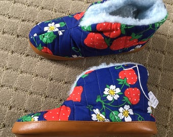 Vintage Strawberry Slippers Novelty Print Blue Deadstock New Old Stock