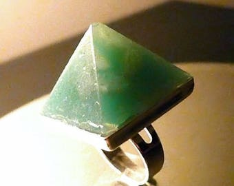 NEW Aventurine Greenie Green Orgone Pyramid Ring