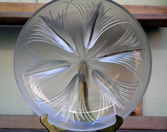 Verlys of America Frosted Art Glass Tassels Console Bowl