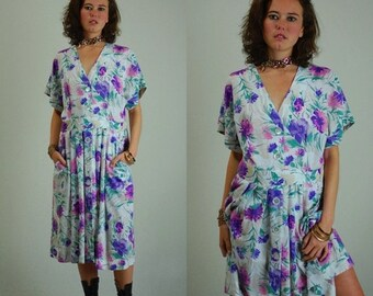 sale 25% rainy days sale Slouchy Dress Vintage 80s White Floral Linen Made in the USA Slouchy Secretary Dress (m l)