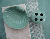Snazzy 1970s Shell Ceramic Soap Dish and Matching Toothbrush Holder, Beach Decor, Aqua Green, Mint Green, Marbled, Heavy, Quality