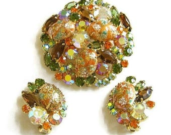 Juliana Easter Egg Brooch and Earrings Set Coral Gold Stippled Cabochon and Rhinestones Vintage