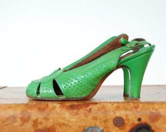 Vintage 1940s Shoes - Fabulous Billiard Green Leather Baby Doll Pumps with Perforations and Slingback 6 6.5