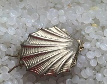 vintage barrette silver shell , pressed metal shell shape barrette