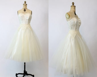 50s Wedding Dress XXS  / 1950s Lace Tulle Princess Dress / Secret Love Dress