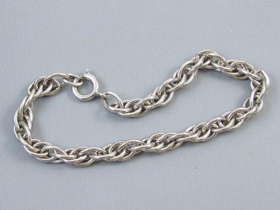 Chunky vintage sterling silver charm bracelet 16.5 grams 7-3/4 inch