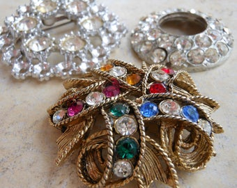 Rhinestone brooch Pin supply gold blue pink green crystal upcycle lot collection button vintage earring