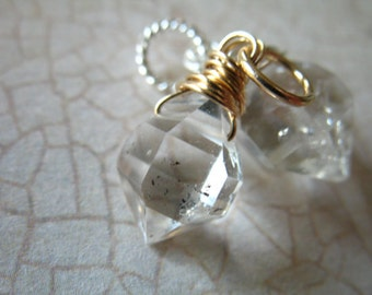 Shopl Sale..  HERKIMER DIAMOND Pendant Charm -  exotic under 25 gift clear crystal gemdone gd16