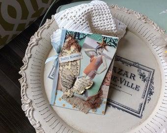 Vintage-style Beach Card - Beach Lady Card
