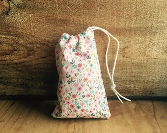 Mini Drawstring Pouch - Reusable Gift Bag - Jewelry Pouch - Gift Card Bag - Tiny Floral Print