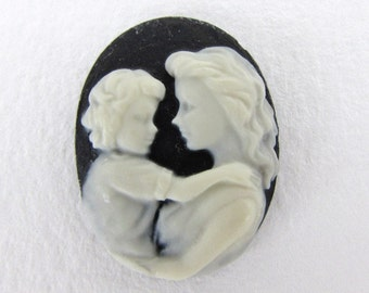 Vintage Reproduction Cameo Mother Child Cabochon Black Ivory Off White Lady 26x20mm pcb0374 (1)