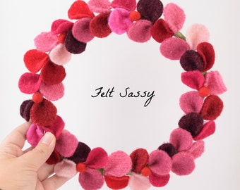 Wire Wreath - Dark Red Mix - Recycled Wool Sweaters - Felt Sassy