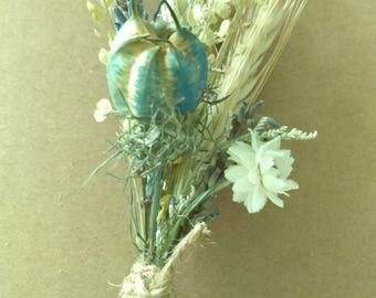 Blue Sky Green Fields boutonniere  or Corsage