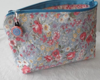 Pre-Quilted Fabric Multi-use Bag/100 Percent Prequilted Cotton Zipper Closing Bag/Project Bag/Ditty Bag/Cosmetic Bag/Toiletry Bag/Washable