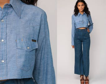 Western Shirt 70s Blouse Crop Top Cowboy CHAMBRAY Pearl Snap Button Up Top 1970s Vintage Hipster Long Sleeve Blue Small Medium