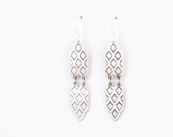 Silver Amira earrings - lightweight sterling silver Moroccan ethnic inspired sterling silver dangles